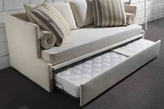 divani per da letto letti singoli per bambini letti santambrogio