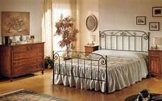 complementi d arredo da letto complementi d arredo rustici da letto spoglia o ricca