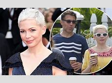 Michelle Williams 'engaged' to financier beau   Daily Mail