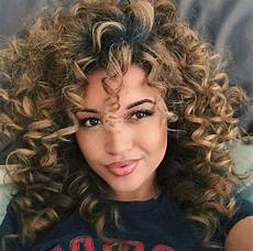 Light Perm Spiral Perm Vs Regular Perm Spiral Perm Hairstyles And Tips