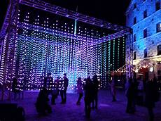 Distillery District Light Festival 2019 Hours Light Show At Toronto S Distillery District 2020 My