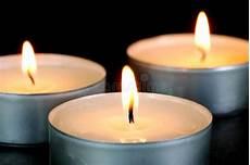 candele rosse candele rosse di tealight fotografia stock immagine di