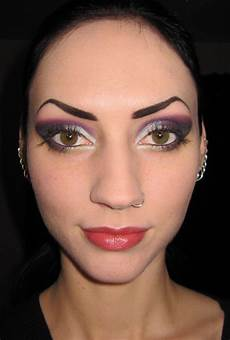 glitter is my date smokey makeup look