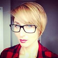 frisuren dünnes haar brille tr 228 gst du eine brille 13 kurzhaarfrisuren f 252 r frauen die