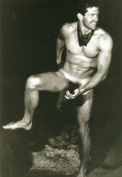 Eva Larue Naked Pics