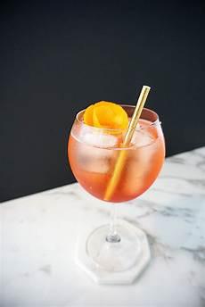 60 easy summer cocktail recipes refreshing summer drink
