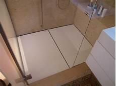 piatto doccia corian foto piatto doccia in corian bagno sotto tetto di studio