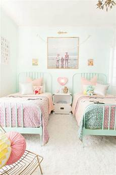 Pastel Bedroom Ideas 10 Pretty Pastel Rooms Tinyme
