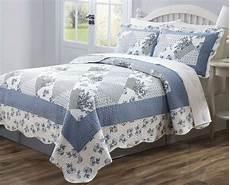 3 pc quilt bedspread blue white floral patchwork design