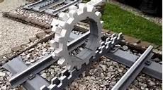 treno a cremagliera le carrozze della ferrovia a cremagliera monte