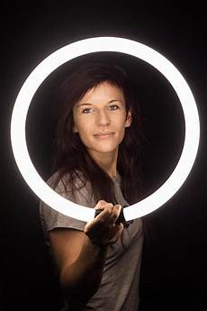Creative Light Photography 7 Simple Diy Photography Tips And Tricks Using Only