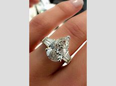 24 Stunning Pear Shaped Engagement Rings   Oh So Perfect