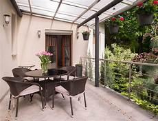 veranda balcone prezzo la veranda sul balcone in condominio prezzi e permessi