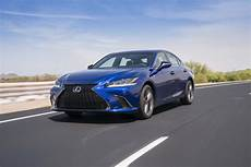 lexus gs 2019 2019 lexus es revealed will likely replace gs
