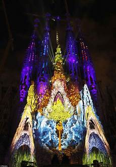 Barcelona Night Light Show Tour France Bordeaux Amp Barcelona Spotlight The Sagrada