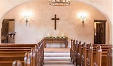 53 classic ways to decorate a church for your wedding