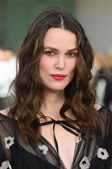 keira knightley chanel cruise collection 2020 in paris