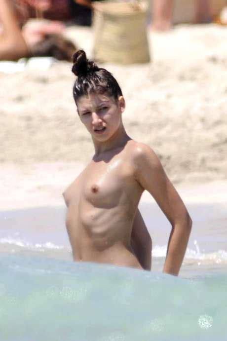 Fat Nude Pic Woman