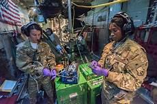Air Force Flight Medics Flying Ambulances Aeromedical Evacuation Gt U S Air Force