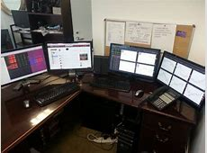 27 Incredible Trading Desk Photos