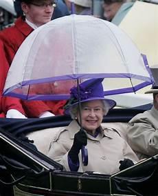 ombrelli trasparenti a cupola la elisabetta e quella passione per gli ombrelli