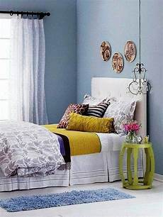 Decoration Ideas For Small Bedrooms Bedroom Decorating Ideas On A Small Budget Interior