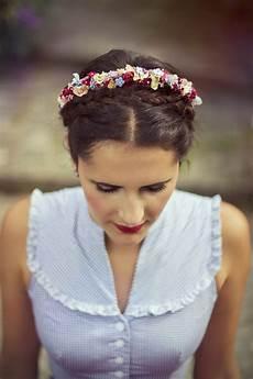 vintage frisuren vintage dirndl und handgefertigte kranzl flowercrowns