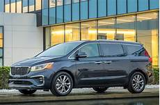 2019 kia minivan 2019 kia sedona gets an updated look new transmission