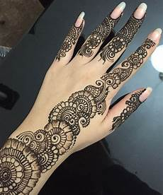 Pretty Henna Designs Simple Floral Henna Design With Finger Details Henna