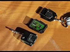 Batterie Wechseln Werkzeugteiliges by Funkschl 252 Ssel Batterie Wechseln Remote Controlled Key