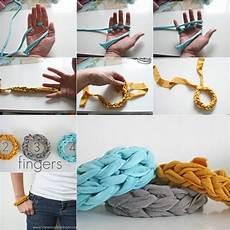 how to diy stylish finger knitted bracelet