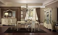 sale da pranzo eleganti tavolo rettangolare gambe finemente lavorate color