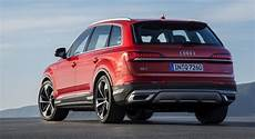 2020 audi q7 the 2020 audi q7 has an updated design and new tech but