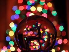 Light Up Christmas Globes Christmas Snow Globe Wallpaper Wallpapersafari