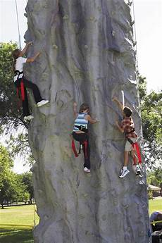 Wall Climbing Monolith Mobile Climbing Wall Extreme Engineering