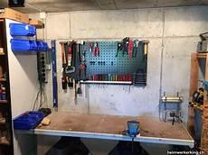Werkzeugwand Holz by Werkzeugwand Eines Heimwerkers Vom Heimwerkerking
