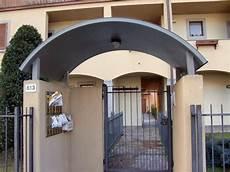 tettoie per porte d ingresso pensilina per copertura ingressi copertura tetto quale