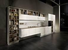 scaffali cucina in cucina i vani a giorno fanno tendenza cose di casa
