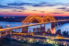Hernando De Soto Bridge Lights Tennessee In Pictures 15 Beautiful Places To Photograph