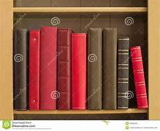 scaffale per libri libri in uno scaffale per libri fotografia stock