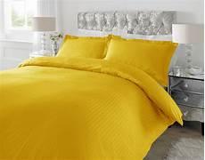 classic striped sateen bedding set 220 tc single size