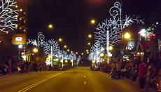 Gatlinburg Of Lights Parade Gatlinburg S Of Lights Christmas Parade Guide