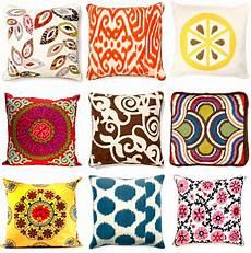 tessuti per cuscini arredare con i tessuti i cuscini decorativi dress your home