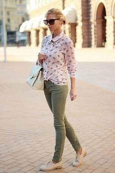 Light Pink Shirt What Color Pants Light Pink Shirt Neutral Shoes Army Green Jeans