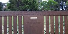 notting hill panchina epitaffi dalla pietra al libro dal libro alle panchine