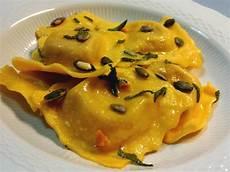 tortelli di zucca alla mantovana tortelli di zucca mantovani ripieno di zucca e mostarda