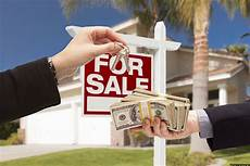 How To Sale Real Estate 5 Need To Know Facts About Real Estate Agents Thestreet