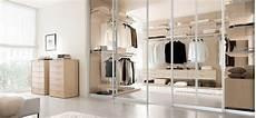pannelli scorrevoli per cabine armadio porte per cabine armadio dettagli contano cabina