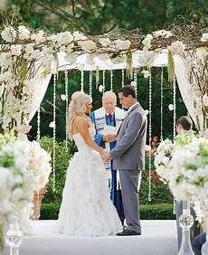 Words To White Wedding 15 Cool Wedding Chuppah Ideas 2017