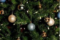 Top Of Christmas Tree Lights Not Working Top Part Of Pre Lit Tree Not Working Thriftyfun